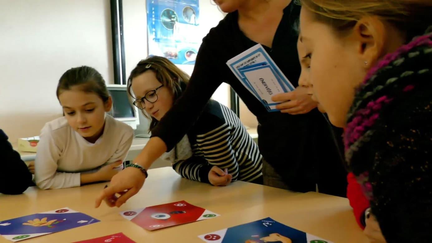 Le kit pédagogique Estimo pour développer l'estime de soi chez les enfants
