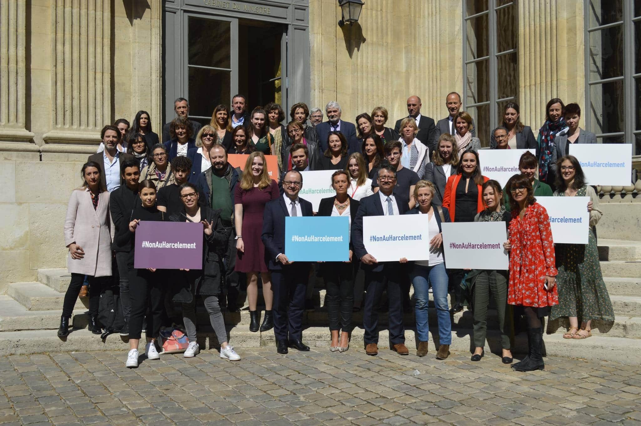 """Pour la sixième année consécutive, l'association Les petits citoyens est honorée de participer au Jury National du Prix """"Non Au Harcèlement"""" organisé par le Ministère de l'Éducation Nationale."""